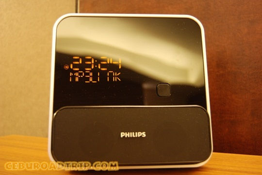 iPod® docking entertainment system with alarm clock