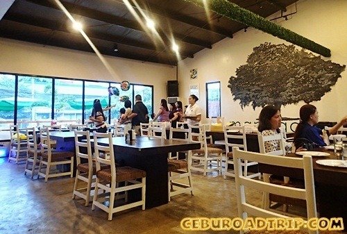 Manggahan restaurant dining area